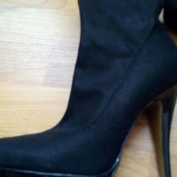 Θα πωλούν επειγόντως μπότες παπουτσιών demi-season