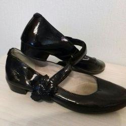 Vernik ayakkabı
