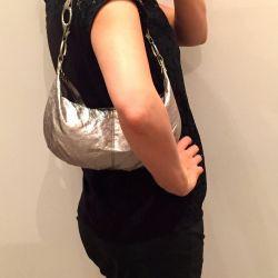 Νέα τσάντα μεταλλικού σκελετού New Yorker