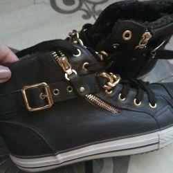 Ανδρικά πάνινα παπούτσια νέων γυναικών