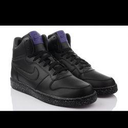 Новые кроссовки от Nike originals!!!