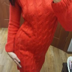 A knitted warm dress!