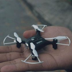 Syma X20 pocket drone quadrocopter