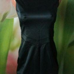 Satin dress with epaulets