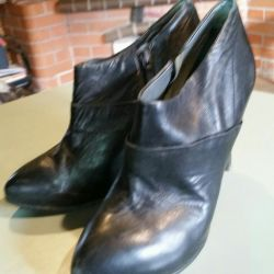 Half boots leather ankle boots.