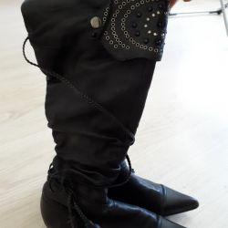 Demi-season boots 36 size
