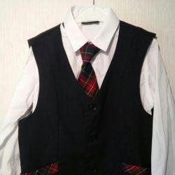 Tricou și vesta de dimensiune 134