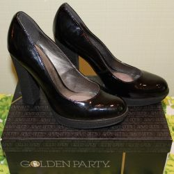 Shoes black varnish