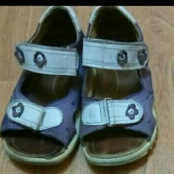 Обувь на девочку сандалии