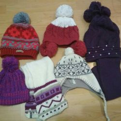 Hats and sets (hat and scarf) for a teenager.