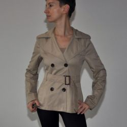 Short beige trench