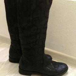 Νέες μπότες με επεξεργασία λέιζερ