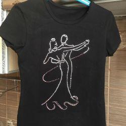 T-shirt for dancing