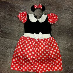 Costumul de carnaval Minnie