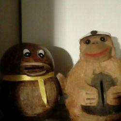 Coconut piggy banks