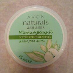 Avon Matting Cream pentru față