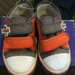 Çocuklar için spor ayakkabı (sneakers), 25 beden, yeni