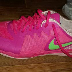 New nike sneakers original