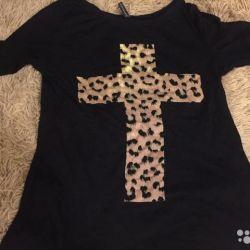 T-shirt with a leopard cross