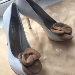 Pantofi noi, piele p37 Italia.