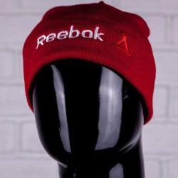 Шапка с подворотом Reebok красная