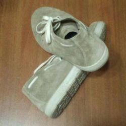 Лeгкие ботинки