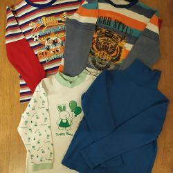 Πακέτο μπλούζες. Ανάπτυξη 104-110