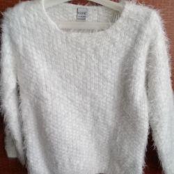 белый свитерочек