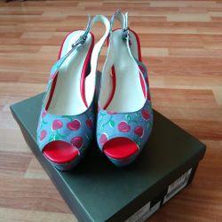 Very beautiful sandals