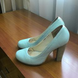 Παπούτσια 37