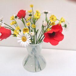 Buchet de flori sălbatice din argilă polimerică