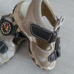 Os sandale