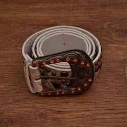 Women's belt with pebbles