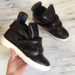Τα αθλητικά παπούτσια Zanotti (36, 39)