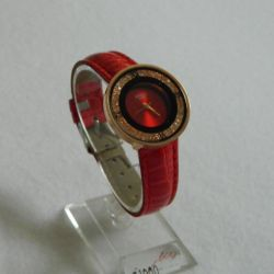 Red ladies watch with rhinestones viamax