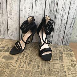 Spectacular sandals New 34