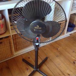 Ventilator folosit aproape nou