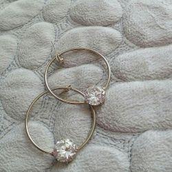 Earrings. Look very beautiful ...