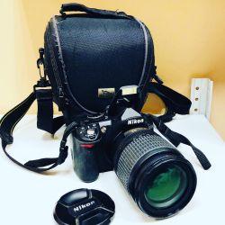 Φωτογραφική μηχανή Nikon D3000