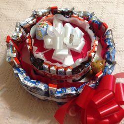 Tort de cadouri Kinder Ciocolată Petrecere de naștere pentru copii