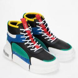 Sneakers STROBBS new