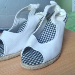 Summer sandals