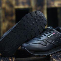 Reebok® Classics black