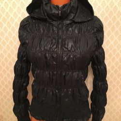 Jacket de dimensiuni 40-42 de mărimea elastică cu o glugă