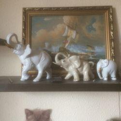 Τρία πορσελάνη ελέφαντα