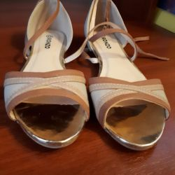 Sandals for sale 37.5