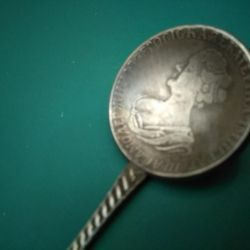 Ложка с цветком из монеты