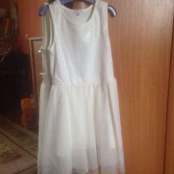 Dresses size 122/128