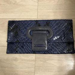 Debriyaj torbası natinden yapılmıştır. vernikli deri Di gregorio