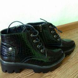 Обувь совершенно новая демисезон 35 размер